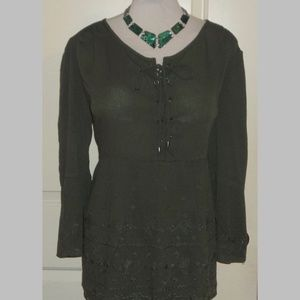 Rayon blend boho laced front embroidered top EUC